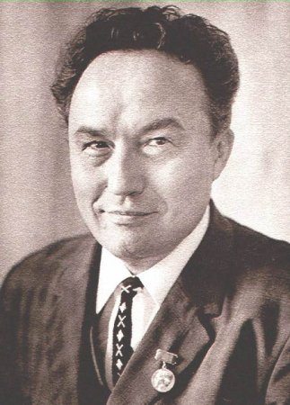 Петр Петрович Хузангай (22.01.1907 - 04.02.1970) чувашский советский поэт