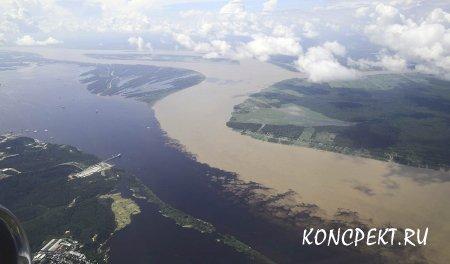 Слияние рек Солимоес и Рио-Негро