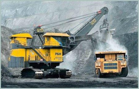 Добыча угля на разрезе в Кузбассе