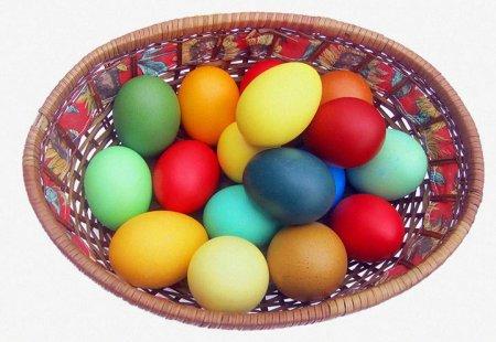 Крашеные на Пасху яйца