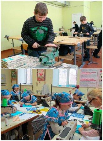 Дети на уроке технологии
