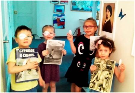 Дети показывают произведения о Иване Сурикове
