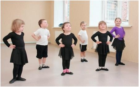 Занятие по хореографии с дошкольниками