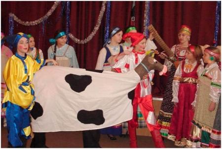 Участие в фольклорном спектакле